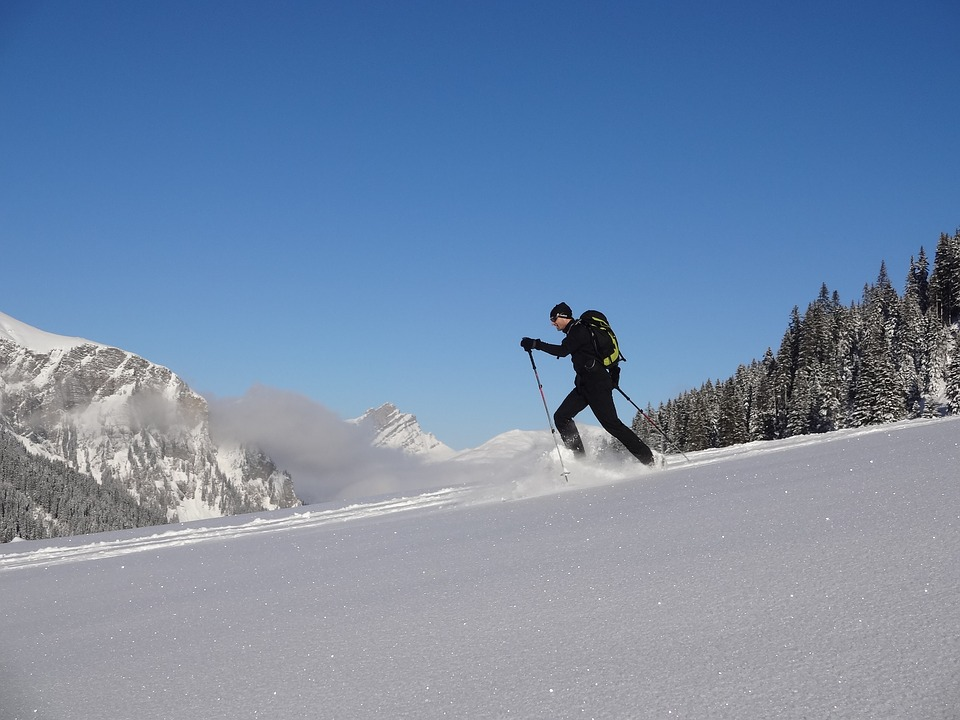 winter snow shoeing